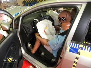 Удар со стороны водителя