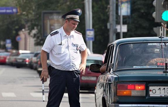 Водители тихоходных транспортных средств будут штрафоваться за медленное передвижение вне городской черты